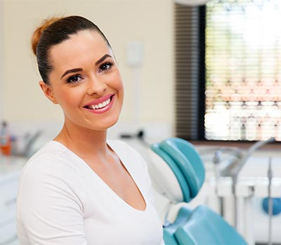 smiling-woman-at-dentist-office